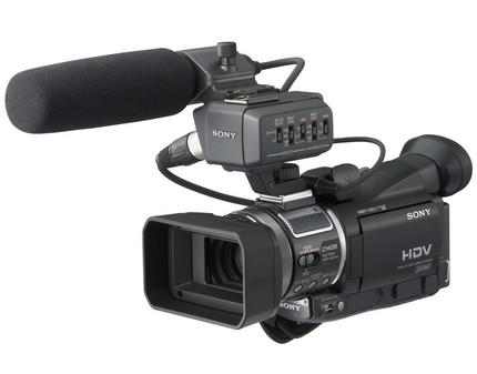 索尼高清数码摄像机HVR-A1C  索尼HVR-A1C采用了一枚1...