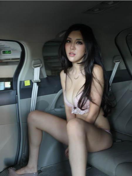 豪车内美女换衣露肉图外泄 汽车频道