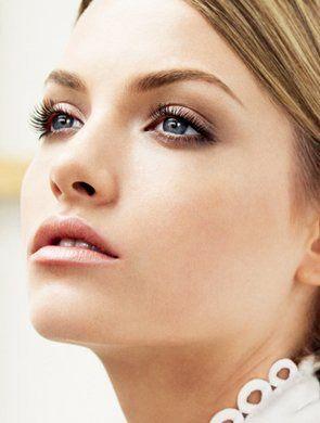 揭秘女人不同年龄段的防皱保养策略 - 妮薇雅 - 美容美发化妆培训学校
