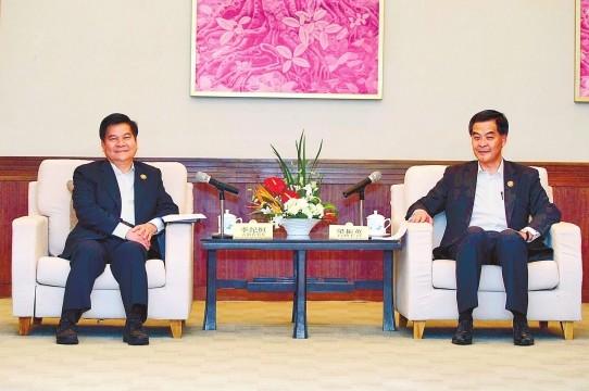 李纪恒与梁振英在三亚会晤 增进滇港务实合作实现互利共赢