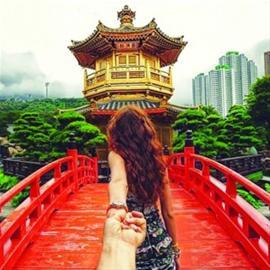 牵手图片 牵手图片 唯美情侣牵手背影照