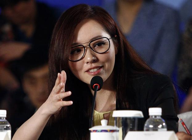 高清:博鳌青年领袖圆桌举行 张靓颖出席抢眼