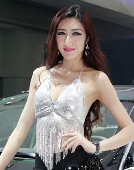 南京车展最美翘臀短裙车模