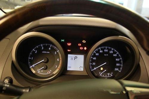 丰田普拉多2700与霸道4000中东车型图片价格咨询