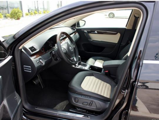 汽车 汽车滚动新闻 正文    迈腾一直引领着业界的科技潮流.