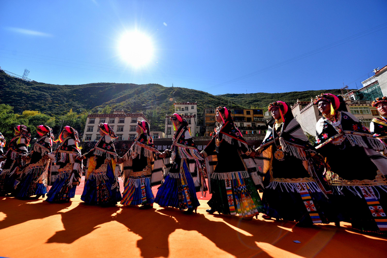 (锐视角)(2)四川丹巴嘉绒藏族风情节开幕