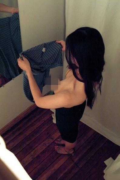 女子换衣间换衣服被疯狂偷拍