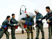 中国空军实力2030年追平美国